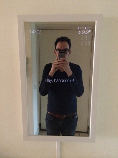 Magic mirror raspberry pi