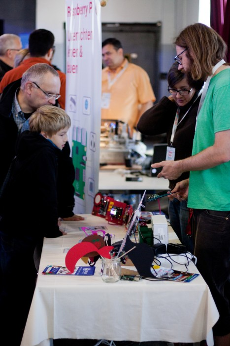 Visitors to the Raspberry Pi/Raspberry Jam Berlin booth at Maker Faire Berlin 2015
