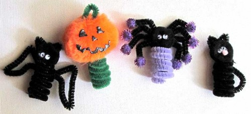 Spooky pipe-cleaner bugs and beasties