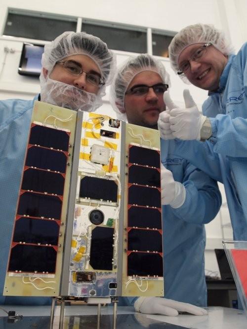 STRaND-1 CubeSat