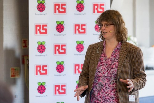 Lucy Rogers speaking at a launch event for Raspberry Pi 3