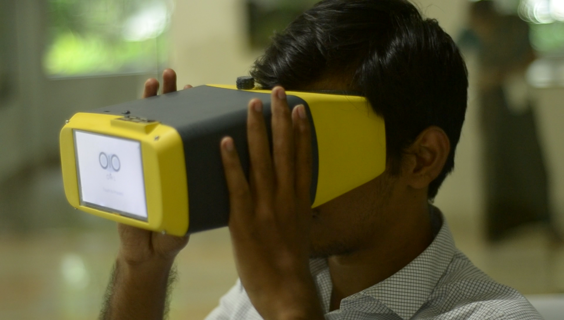 Ophthalmoscope: Saving eyes with Raspberry Pis