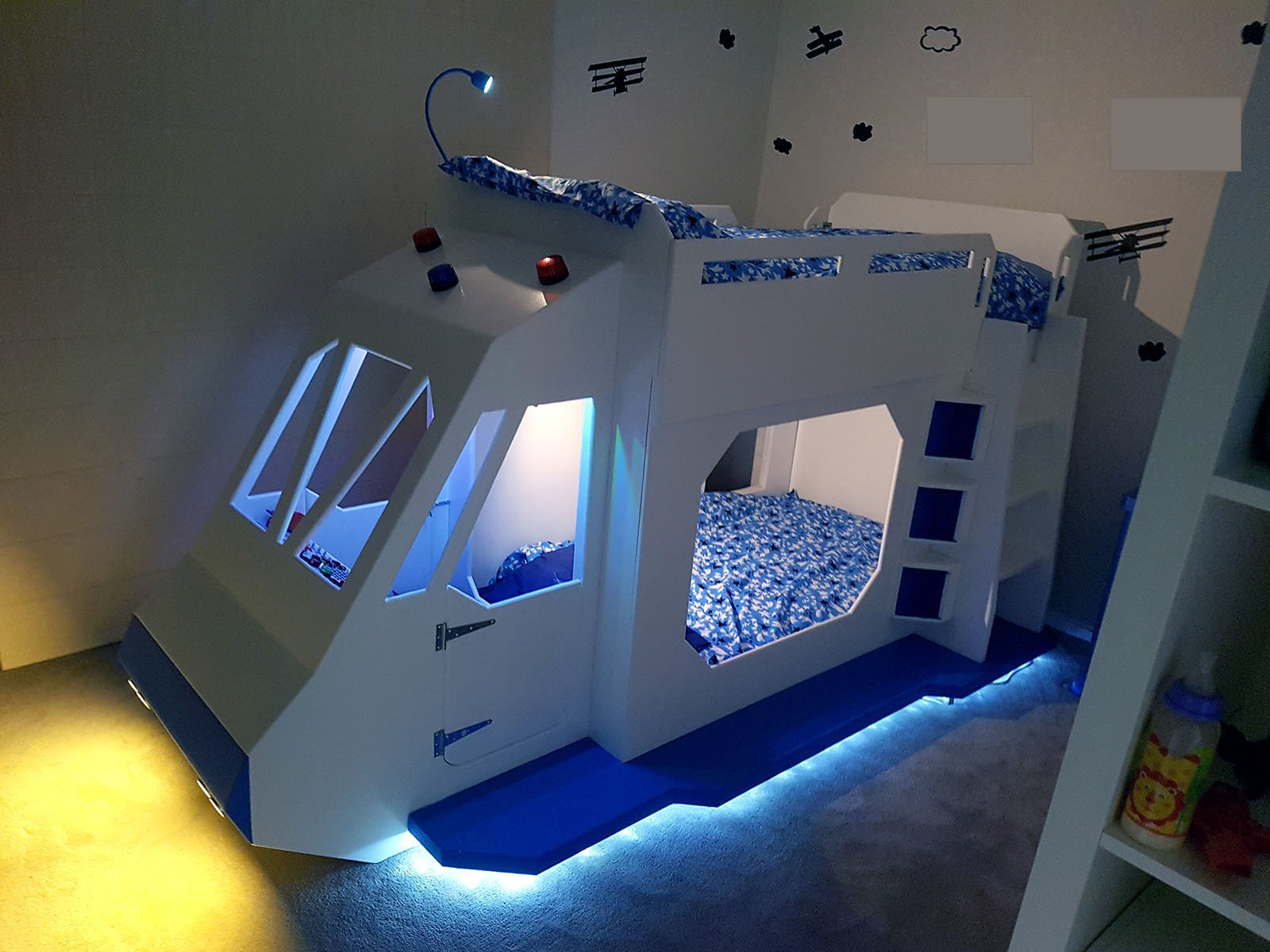 5...4...3...2...1...SPACESHIP BUNK BED!