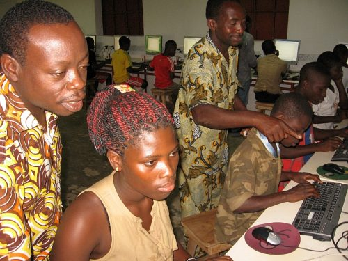 Students and teachers using the upgraded Pi labs in Kuma Adamé