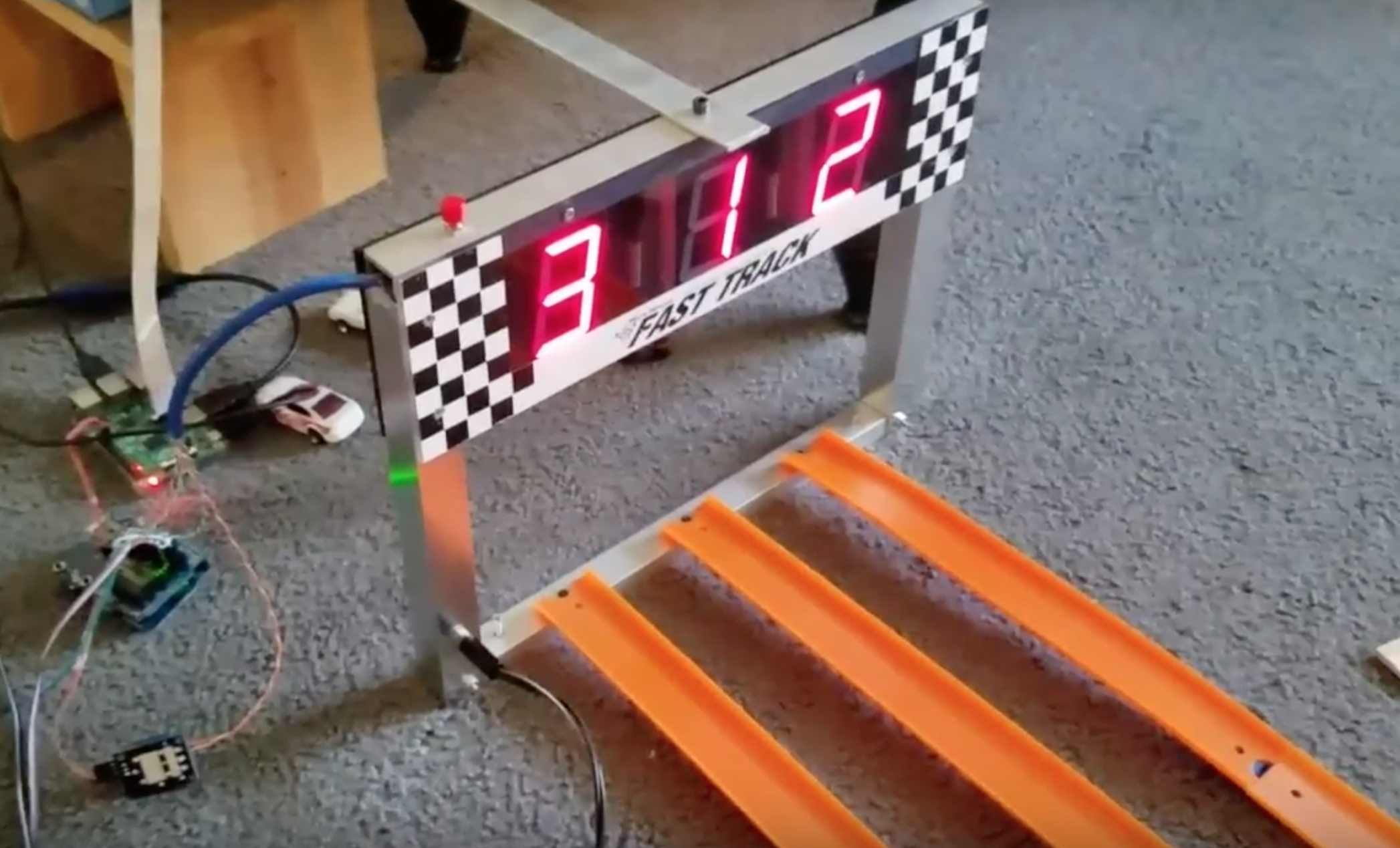 Pinewood derby race car Raspberry Pi