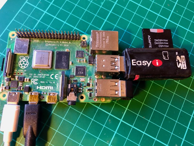 Raspberry Pi 4 with USB card reader