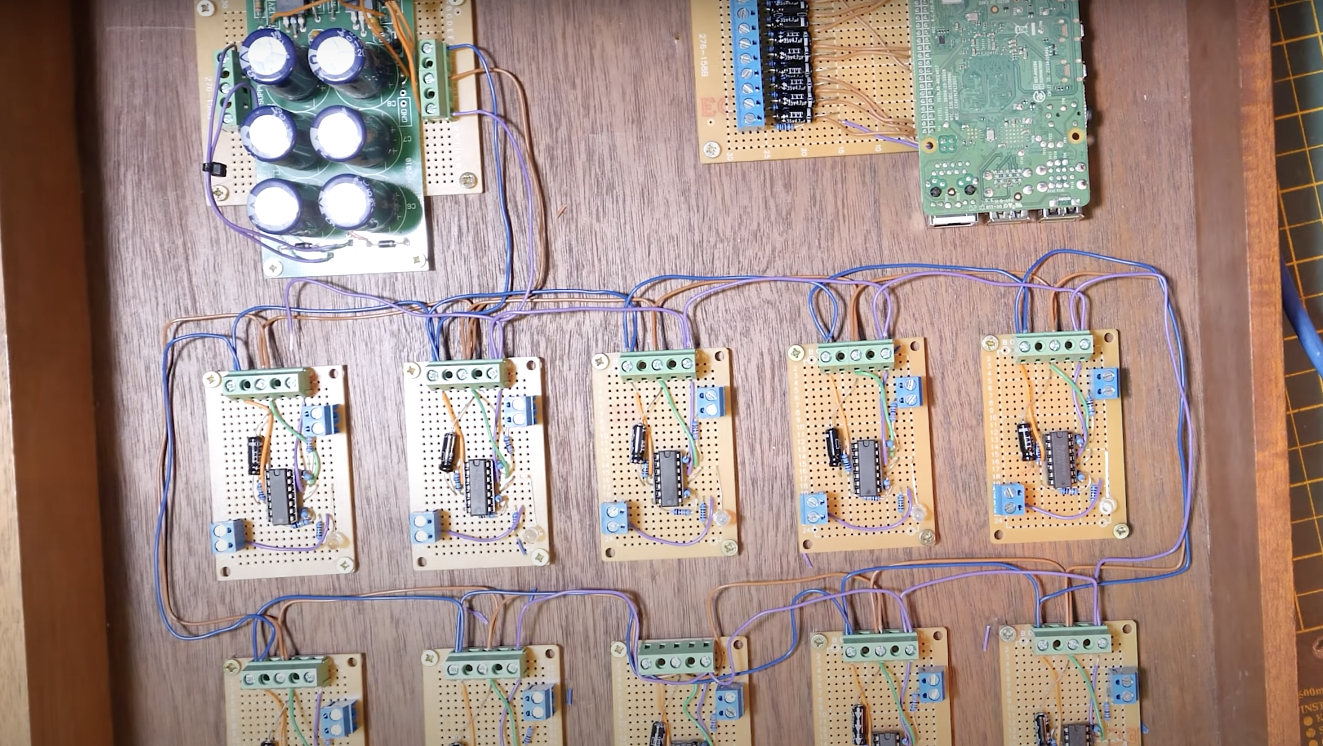 The analogue circuits inside the cryptocurrency music instrument.