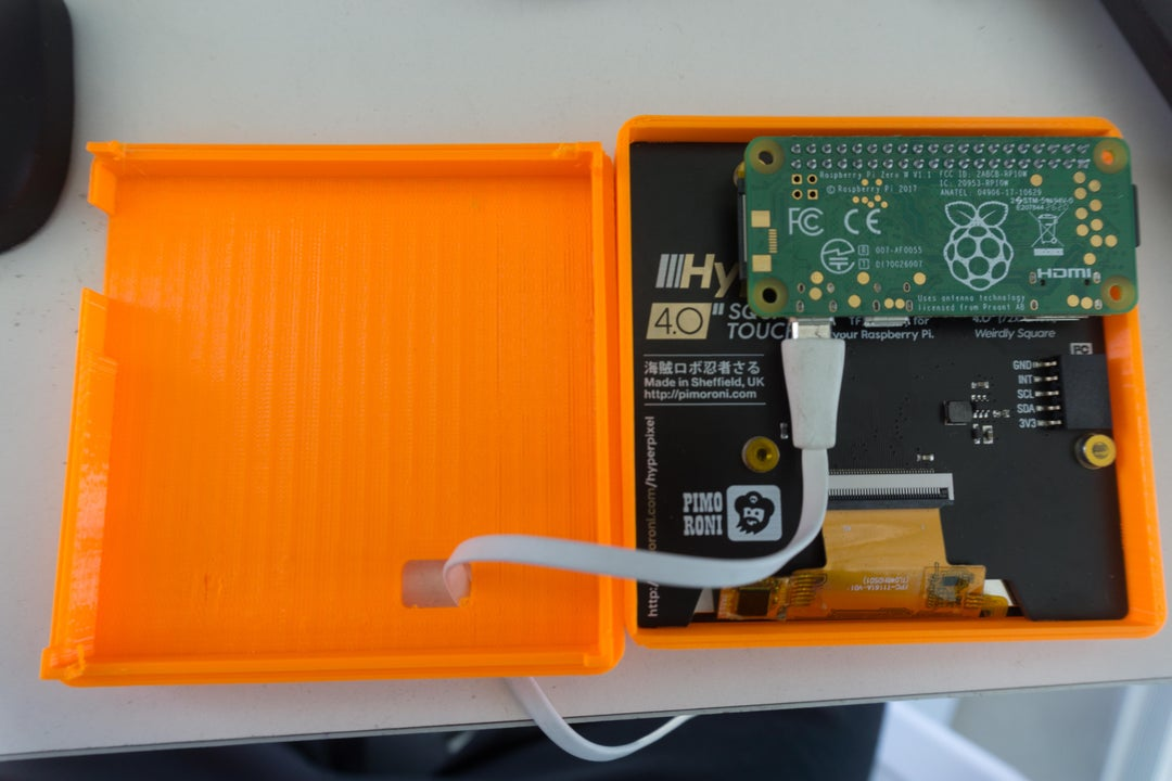 Inside view of the weatherclock digital-analogue clock project.